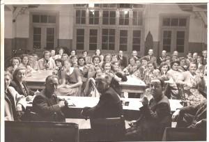 De eerste vergaderingen in 1945