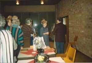 1987 In de rij voor het afscheid van Piet de Reuver