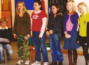 2007 De eerste repetities van het nieuwe kinderkoor[4]