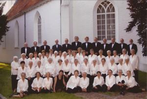 28-2005 in Juli. Koor bestaat 60 jaar